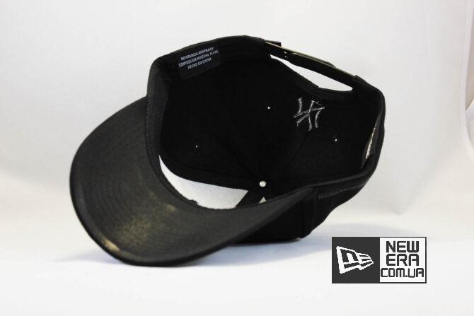 круглый закругленный козырек кепка бейсболка yankees NEW ERA New York черная с черным логотипом